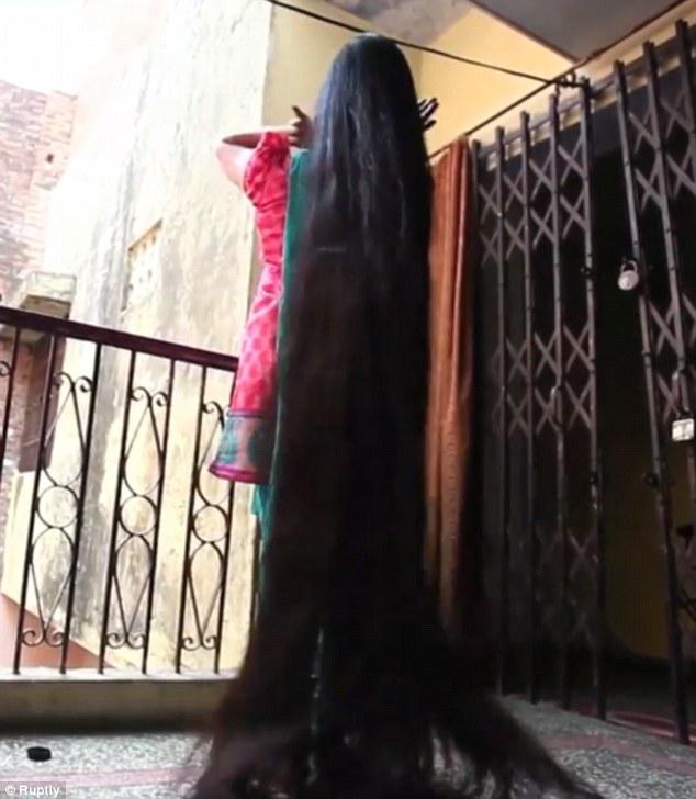 صاحبة أطول شعر في العالم