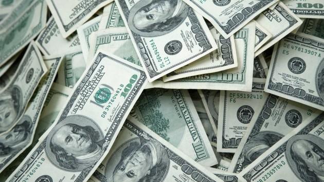 الأوراق النقدية تحتوي على الكثير من الجراثيم نتيجة تنقلها من شخص لأخر