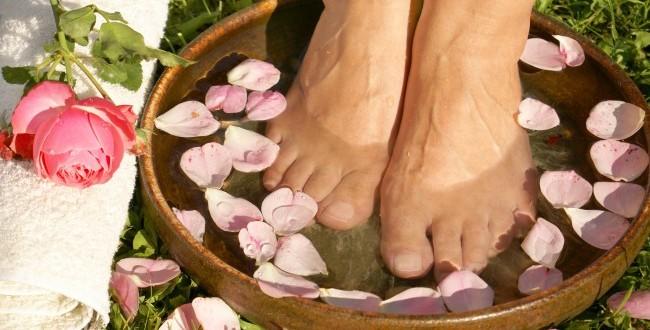 foot-bath_foot_feet_pedicure_wellness-650x330