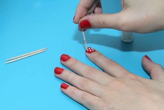 550px-Paint-Polka-Dot-Nails-with-a-Toothpick-Step-7