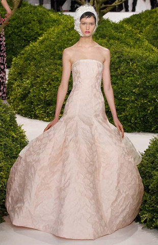 Christian-Dior-Spring-2013-Couture-Collection-22