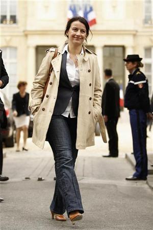 """وزيرة الاسكان الفرنسية تُثير ضجة بسبب"""" الجينز """"!"""