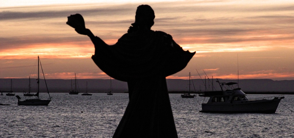 la paz public art sunset