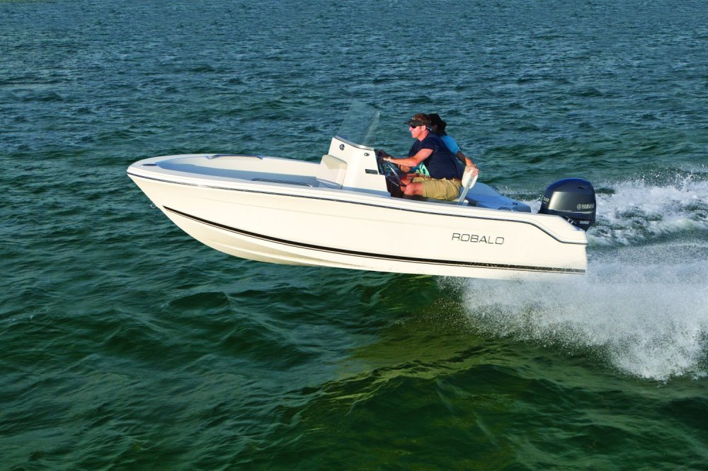 medium resolution of robalo boats unveils affordable r160