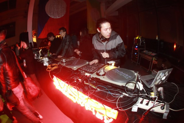 Fleeing-By-Night-2014-Party1-web-06