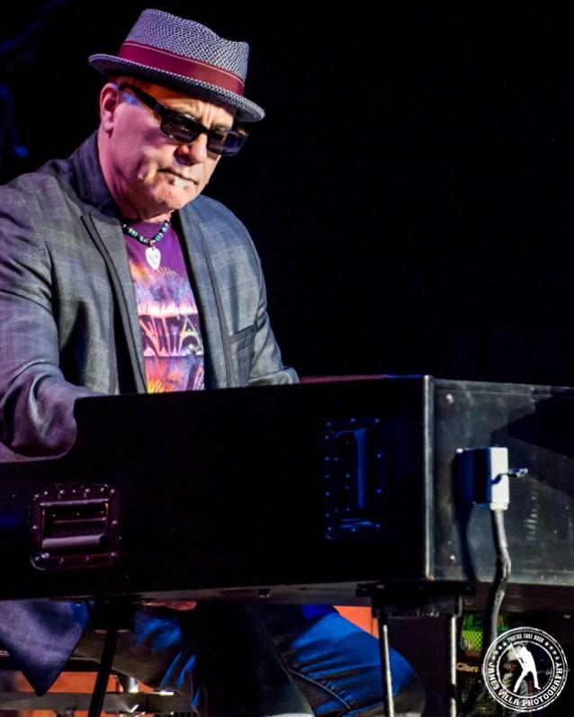 Carlos Santana (Verizon Theater - Grand Prairie, TX) 3/18/15