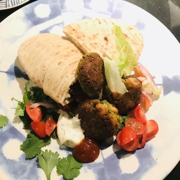 Pitabroodjes met falafel