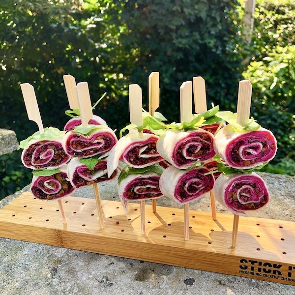 Wraps met rode biet, geitenkaas en cranberries