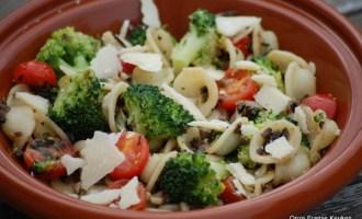 pasta2Bmet2Bbroccoli2Ben2Banchovies.jpg