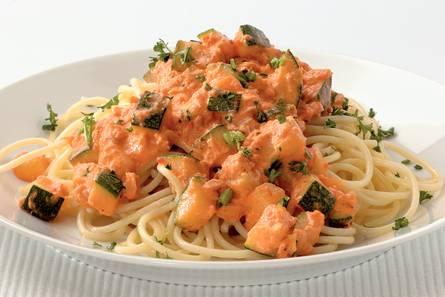 Pestospaghetti met tonijn en courgette