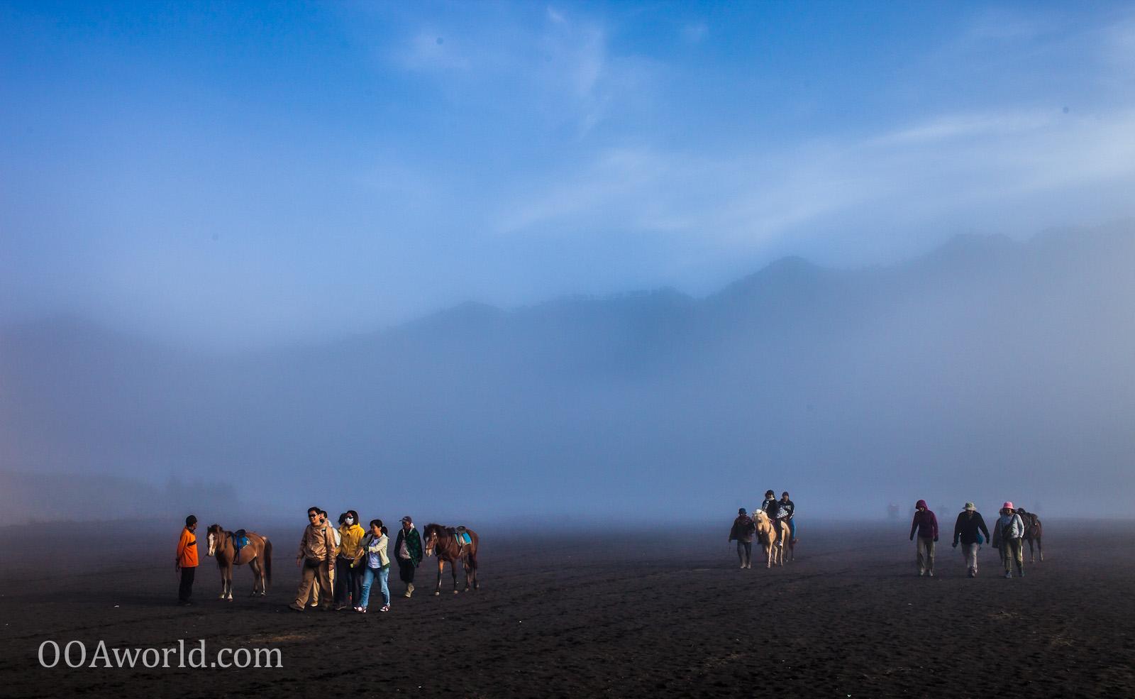 Photo Bromo Desert Walk Indonesia Ooaworld