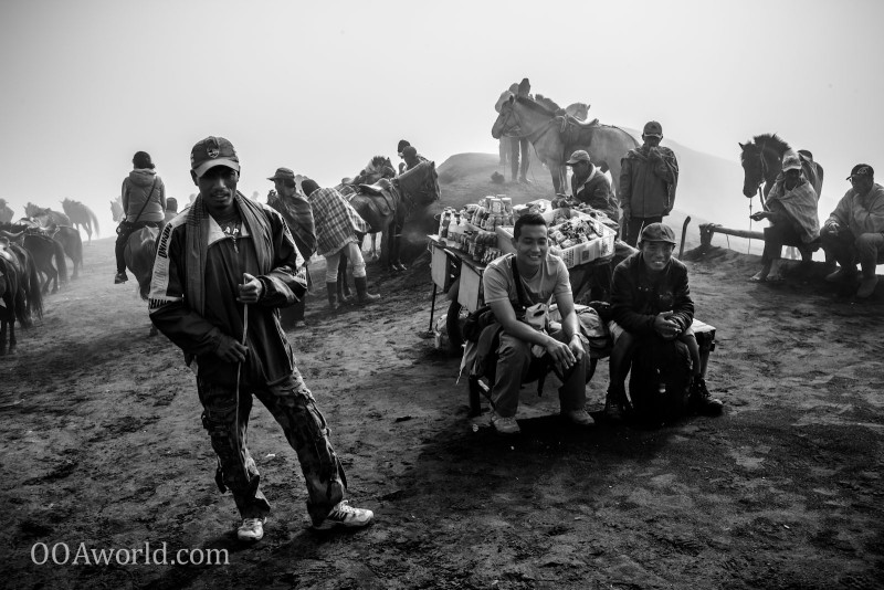 Photo Horserider Huddle Mount Bromo Indonesia Ooaworld