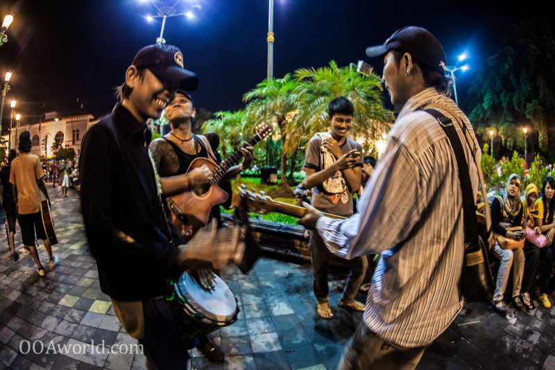 Photo Yogyakarta Street Music Band Indonesia Ooaworld