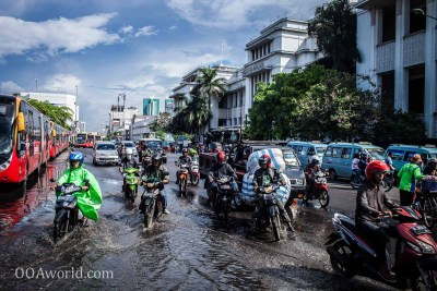 Jakarta Floods Traffic Photo Ooaworld