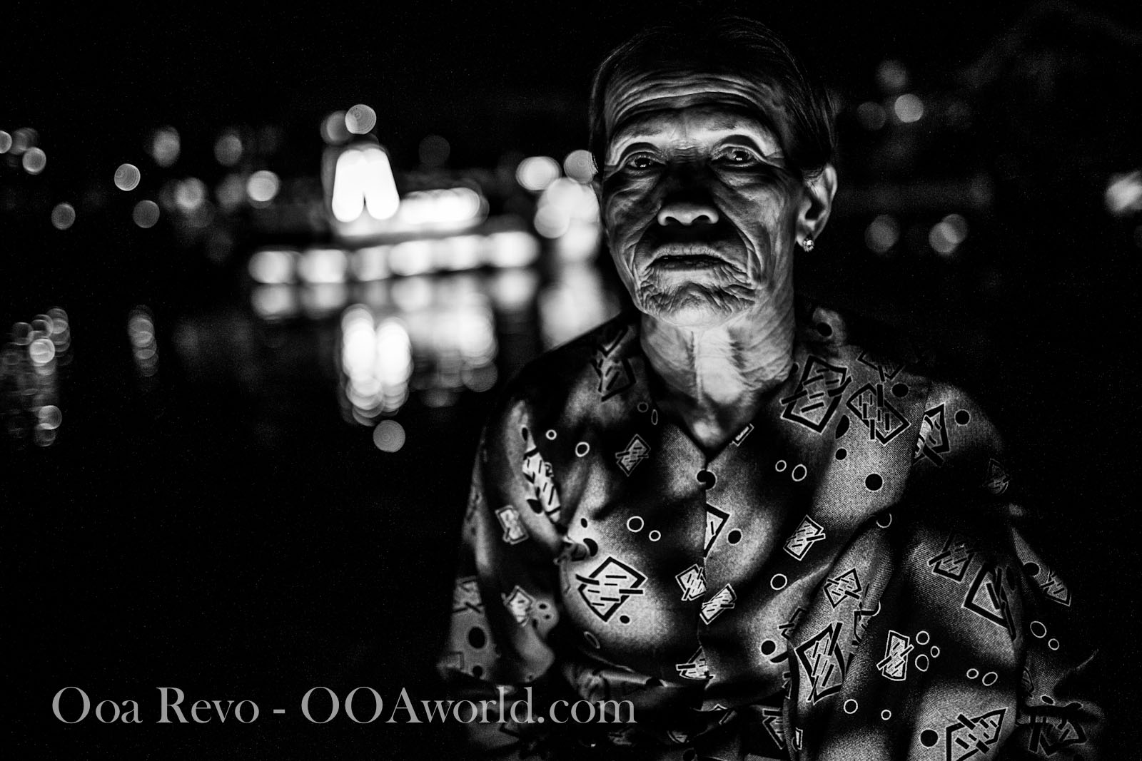 Hoi an Lantern Festival Portrait Old Woman Photo Ooaworld