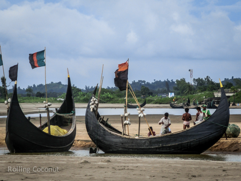 Bangladesh Cox's Bazar Inani Beach Fishing Boats ooaworld Rolling Coconut Photo Ooaworld