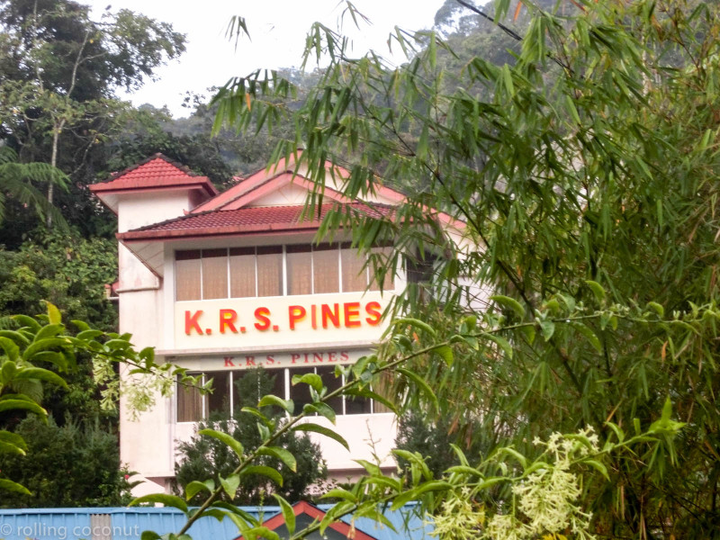 KRS Pines Guesthouse Cameron Highlands photo ooaworld Rolling Coconut