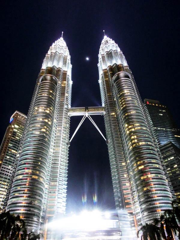 Night Petronas Twin Towers Kuala Lumpur Malaysia
