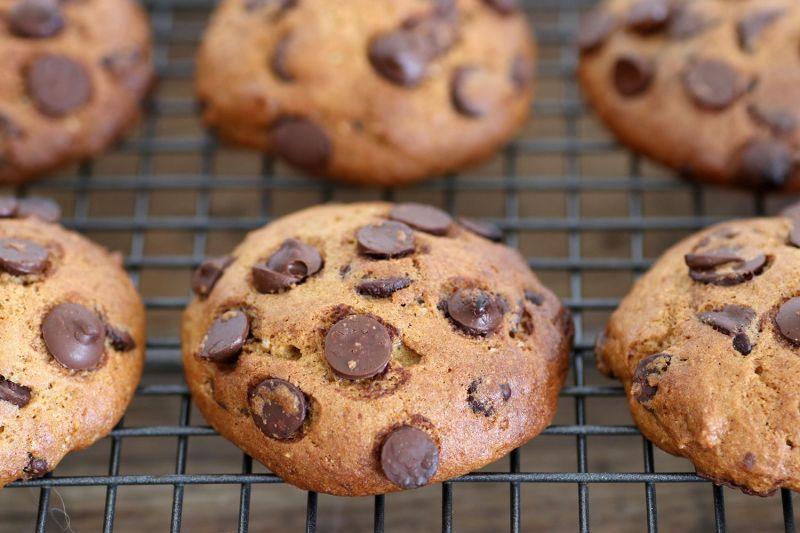 עוגיות שוקולד צ'יפס עם דלורית רכות במיוחד