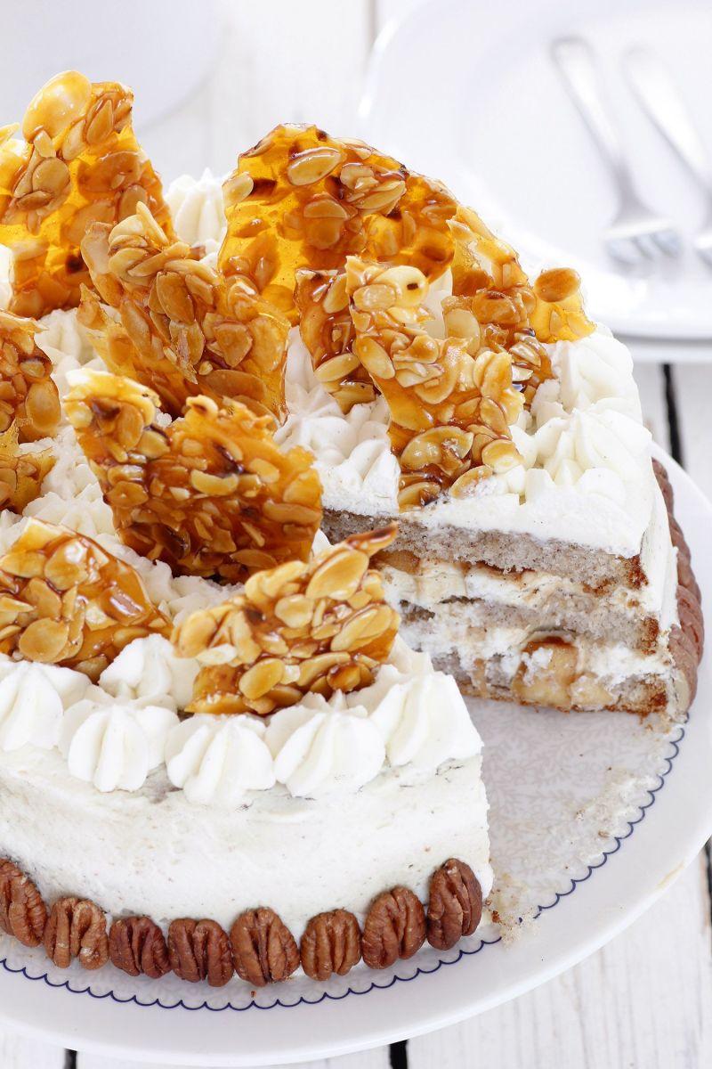 עוגת שכבות פקאן ותפוחים מקורמלים עם קרם מסקרפונה
