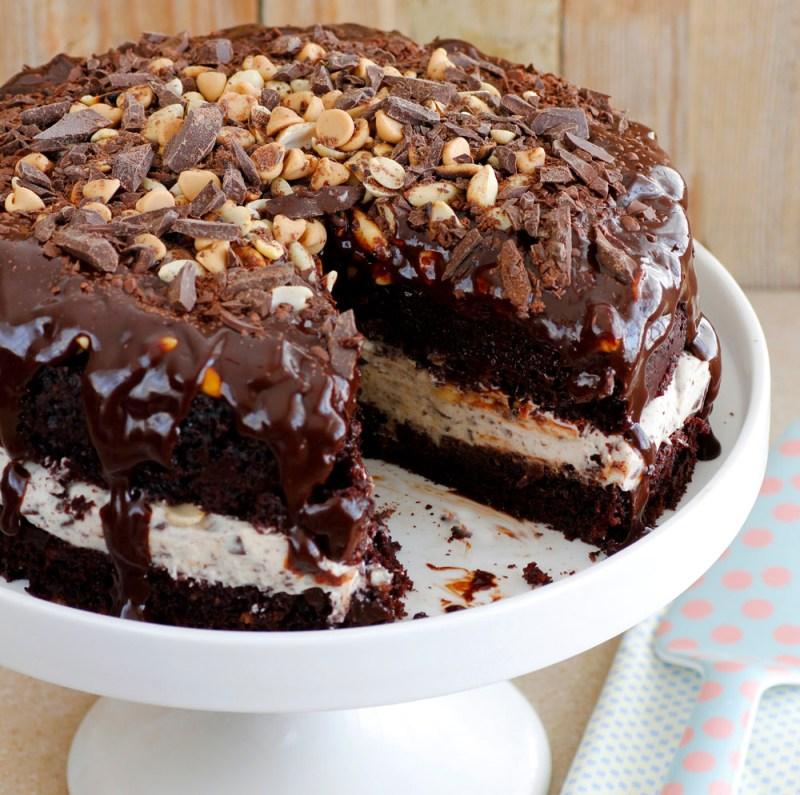 עוגת שוקולד סניקרס