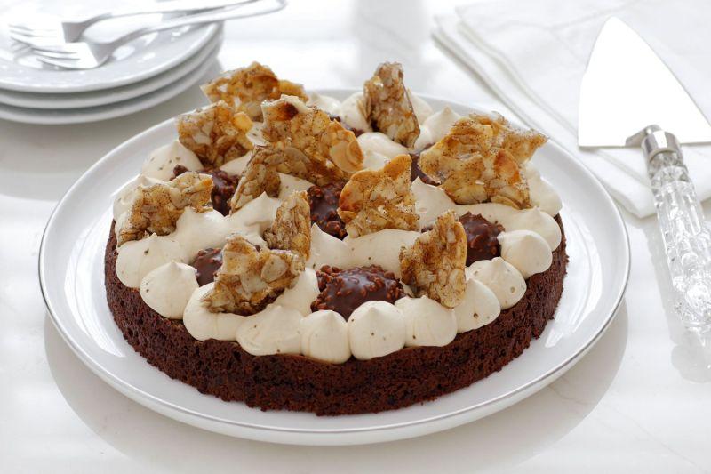 עוגת שוקולד פררו רושה עם קפה ושקדים