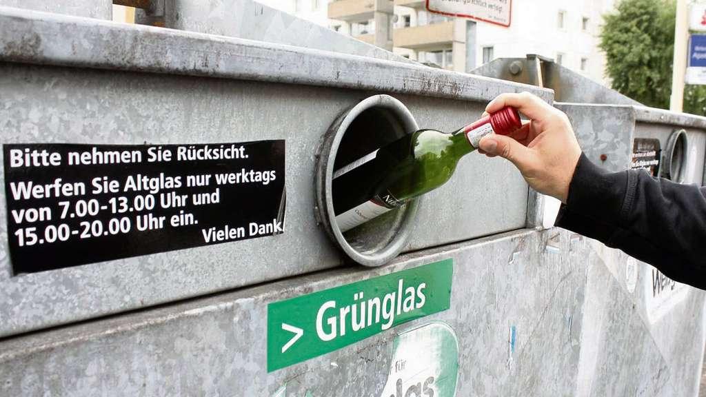 Obertshausen Einwurfzeiten fr Glascontainer werden von vielen missachtet  Obertshausen