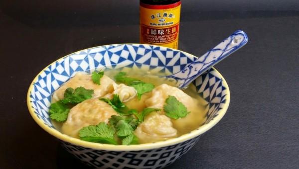 Raviolis-chinois-soupe_1200x680[1]