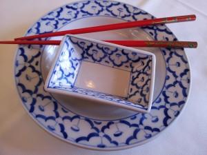 baguettes et bol assiettes chinoises