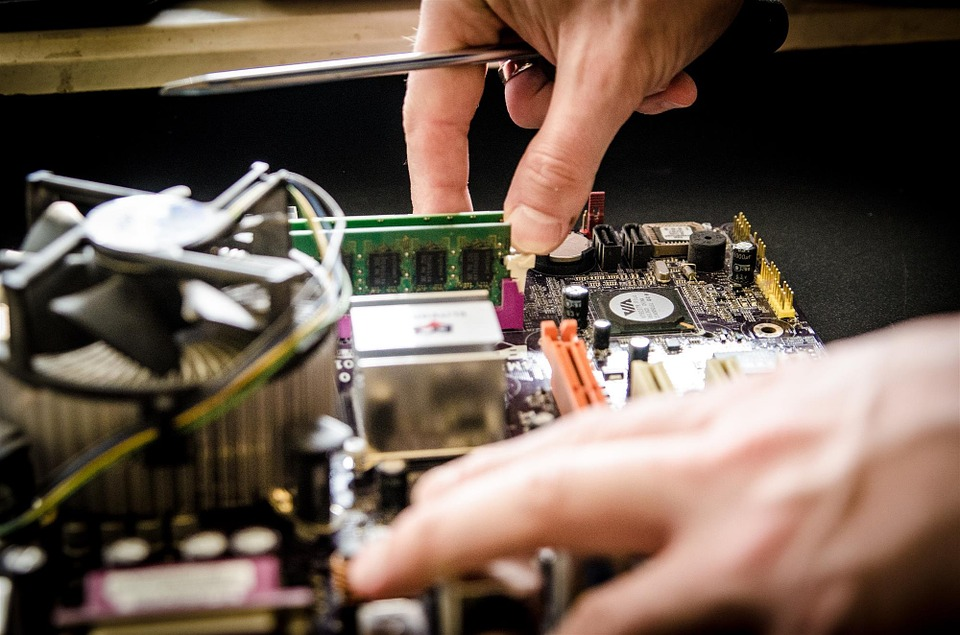 Mobile Computer Repairs: Why It's Still A Profitable Startup Idea