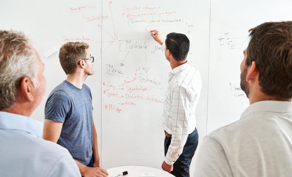 Open source en Java Digitale transformaties, nieuwe business modellen, de opkomst van het internet-of-things, big data en kunstmatige intelligentie. Allemaal zaken die wij middels Open Source en Java voor u gebruiksklaar maken.