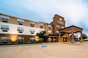 Comfort Inn & Suites Independence, IA