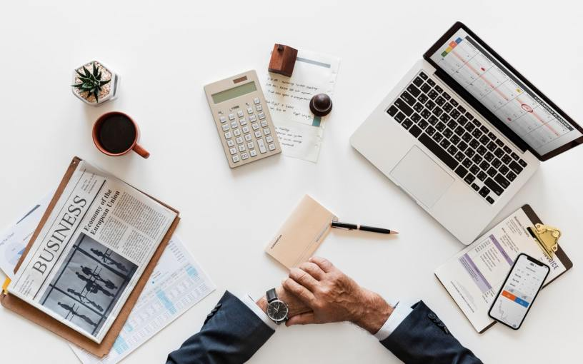 Should Small Businesses Outsource Their Accounting Duties