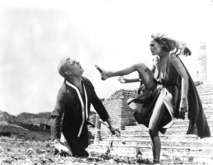 Marcello Mastroianni, Ursula Andress