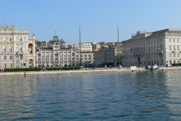 Triest_-_Piazza_Unità_d'Italia_1