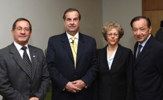 Leslie Kean with CEFAA staff: (from left) Gustavo Rodriguez, General Ricardo Bermúdez, Leslie Kean, Jose Lay. (Credit: DGAC)