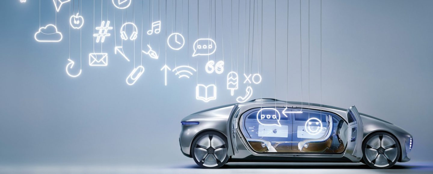 Mit fünf spektakulären Installationen hat Sarah Illenberger den Mercedes-Benz F015 Luxury in Motion in Szene gesetzt. Die renommierte Künstlerin arbeitete dabei im Spannungsfeld zwischen technologischer Zukunft und künstlerischer Handarbeit. Mit den Installationen übersetzte Illenberger die faszinierenden Eigenschaften des F015 in eine ausdrucksstarke Bildwelt, die dem Betrachter die Mercedes-Benz Vision vom autonomen Fahren näherbringt. Die Motive machen den Sprung in die neue Ära des Fahrens und die damit verbundenen Veränderungen begreifbar. Dabei wird automobile Ingenieurs- und Designleistung im besten Sinne zu Kunst. ; Sarah Illenberger has drawn attention to the Mercedes-Benz F015 Luxury in Motion by producing five spectacular installations. To do this, the renowned artist had to work between the poles of technological future and artistic handiwork. With these installations, Illenberger has translated the fascinating features of the F015 into an expressive pictorial world that brings the observer closer to the Mercedes-Benz vision of autonomous driving. The subjects take the leap into the new era of driving, rendering the associated changes touchable and comprehensible. This process sees automotive engineering and design achievements becoming art in the best sense of the word.;