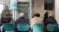 Cara Redazione, Renzi è in piena sintonia con la riforma Fornero. Nonostante i sette milioni di disoccupati, dal 2016 le donne lavoreranno 22 mesi in più, con gli scaglioni previsti dalla legge Fornero, che ovviamente vanno bene anche a Renzi, maestro di stangate agli operai, ai lavoratori e pensionati degli strati bassi. Renzi, vaffanculo! Saluti da un lettore L'articolo della Stampa Stangata in arrivo nel 2016 sull'età di accesso alla pensione e sull'importo dell'assegno calcolato con il metodo contributivo. La Legge di Stabilità limita infatti gli interventi sul settore solo ad aspetti marginali per quanto riguarda l'età di uscita […]
