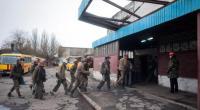 """Redazione di Operai Contro, In Ucraina i padroni massacrano i civili e continuano ad uccidere gli operai. Sarebbero almeno 32 i minatori morti dopo un'esplosione nella miniera di carbone 'Zasiadko', nella periferia di Donetsk. L'esplosione è avvenuta a 1.200 metri di profondità attorno alle 4.15 (le 3.15 in Italia), quando nella miniera stavano lavorando 230 persone. I soccorritori hanno portato in salvo 157 minatori. Il capo dell'amministrazione distrettuale di Kiivski, Ivan Prikhodko, ha respinto le affermazioni del presidente del Parlamento ucraino definendo """"immorale"""" parlare di 32 morti visto che le squadre di soccorso non hanno ancora raggiunto il posto […]"""