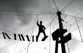 """Mano libera ai padroni del cemento da Nord a Sud. Meno controllo sugli appalti, sulla gestione dei cantieri, sulle norme di sicurezza, bande di famelici """"imprenditori""""sono pronti a mettere le mani sul bottino e sulla pelle degli operai. Caro Operai Contro, devono preoccupare tutti gli operai le """"novità"""" del decreto """"sblocca cantieri"""" che il governo Conte sta preparando. Una di queste prevede la sospensione dell'obbligo di gara di appalto, con criteri che riguarderebbero oltre il 75% degli appalti in Italia. Aprendo così le porte dei cantieri ad aziende di ventura, dove a farne le spese sarebbero la sicurezza e […]"""