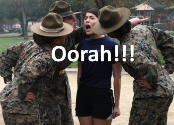 Marine-Rekruten schreien