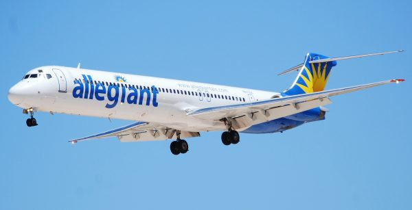 ALLEGIANT_MD-83_N871GA_(2751586302)