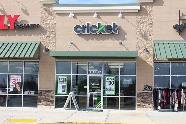 800px-Cricket_Wireless_store,_Thomasville-1