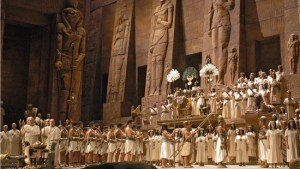 Choristers and supernumeraries fill the stage in a Metropolitan Opera performance of Verdi's Aida