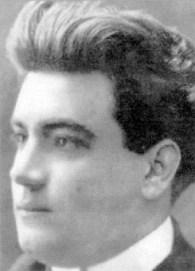 Studio portrait of Calleja in 1907, when he was 25.