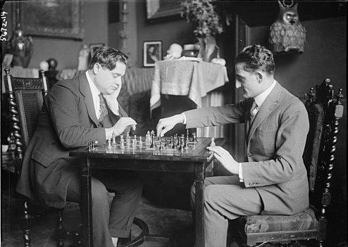 Beniamino Gigli playing chess