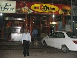 Success story of a 'universal waiter in Lahore; Food that's just a phone call away