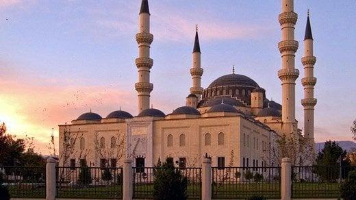 turkmenistan-mosque-ashgabat
