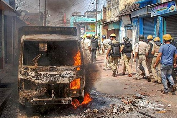 Heavy violence in Bengal's Raniganj following attack on Ram Navami procession. BJP blames 'Minority Community'