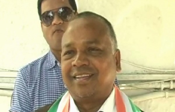Chhattisgarh Congress MLA caught on camera urging voters to beat up BJP workers